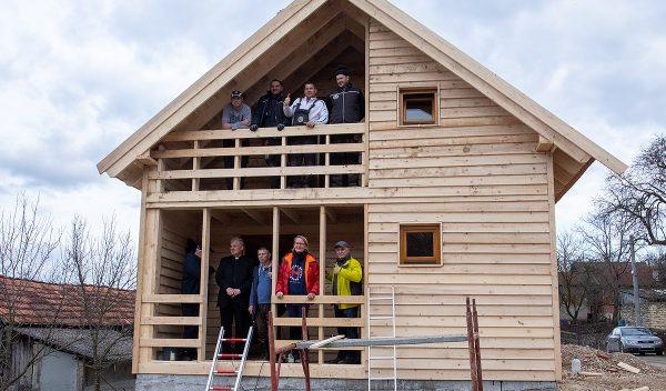 Wooden houses earthquake Croatia
